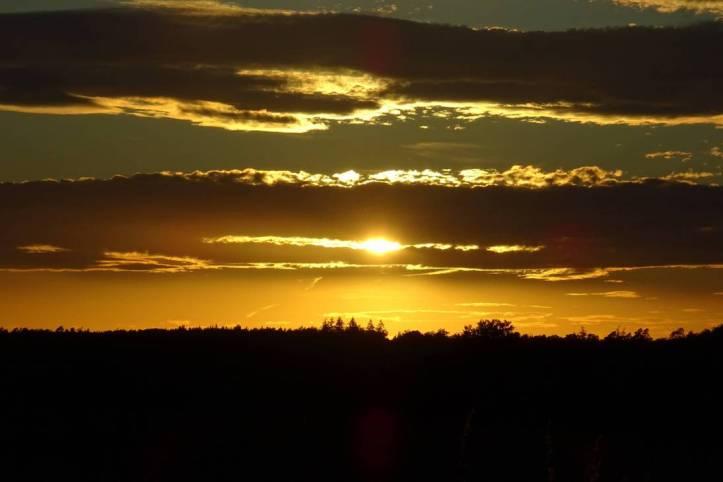 sunset_by_mittelfranke_de105ke-pre