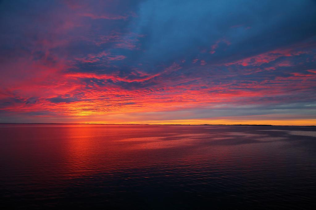 sunset_by_kariliimatainen_de0cpf7-fullview