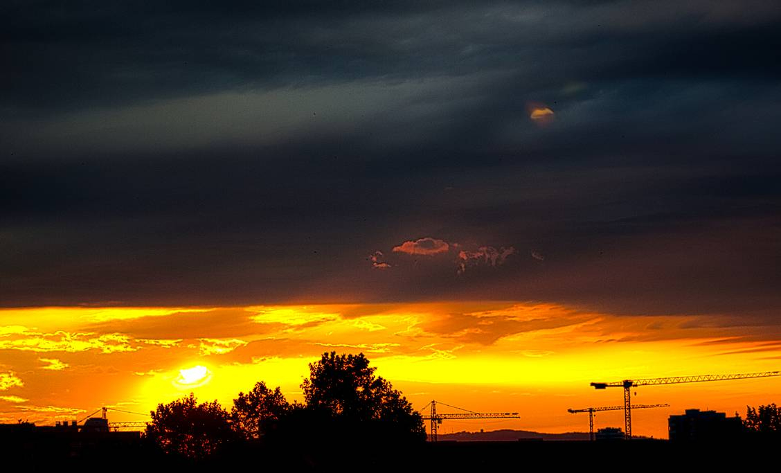 golden_dark_sunset_by_streettom_de7gb6l-pre